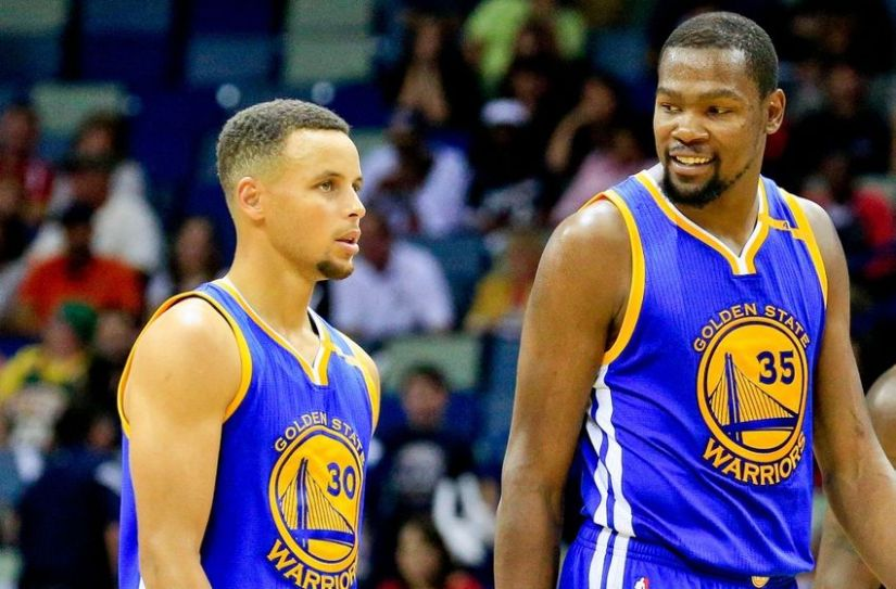 9639248-kevin-durant-stephen-curry-nba-golden-state-warriors-new-orleans-pelicans-1-850x560